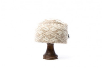 Wool hats – Leaf pattern