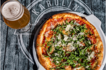 Súpertilboð - Pizza og bjór á Karólína Craft Bar